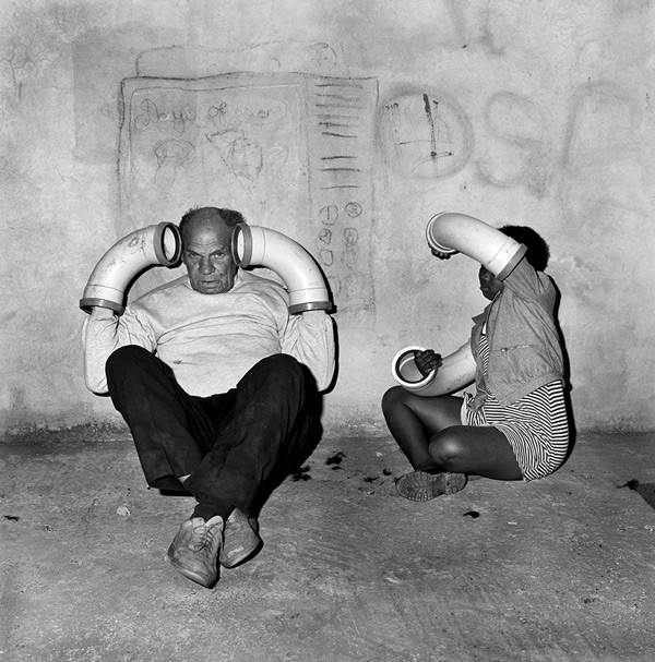 "Roger Ballen, ""Copy cats,"" 2000. Courtesy of the artist."