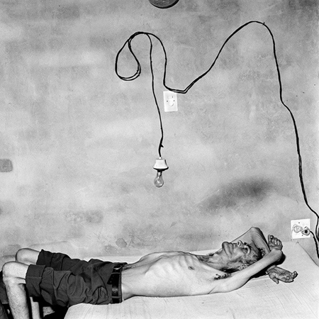 "Roger Ballen, ""Dejected,"" 1999. Courtesy of the artist."